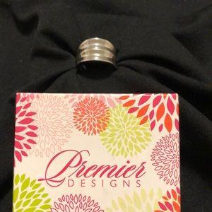 Premier Designs Upscale Ring